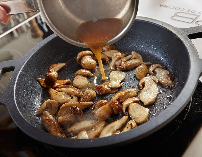 Receta Lomo de cerdo adobado extra Tello con hongos al jerez
